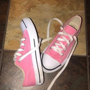 Girls pink Airwalk sneakers